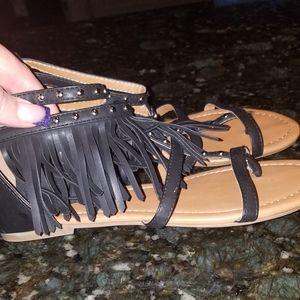 Fringe sandals like new